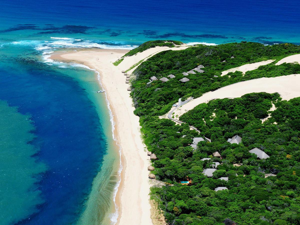 city_beach_in_mozambique