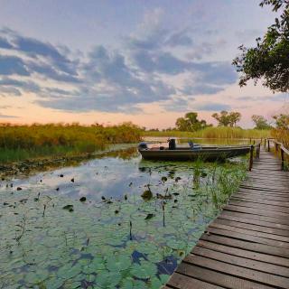 sunway_botswana_okavango_nxamaseri_river_lodge_walkway_jetty_20171003_1287943752